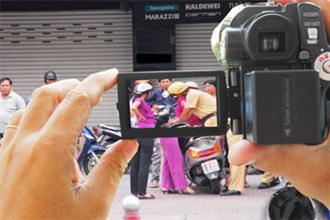 Ai được quyền quay camera khi CSGT làm việc?